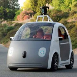 La policia de Mountain View para un coche autónomo de Google…por ir demasiado despacio