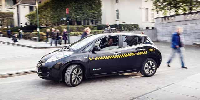 Nissan leaf taxi brusels