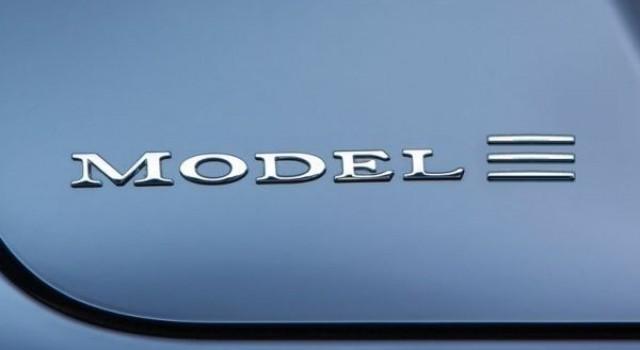 El Tesla Model III llegará con una configuración de dos ruedas motrices. La tracción total será opcional