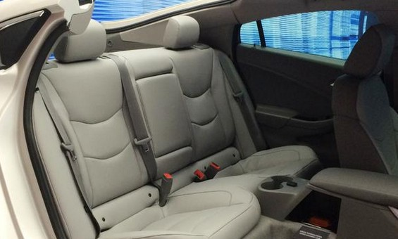 2016-Chevrolet-Volt-Back-Seat-565