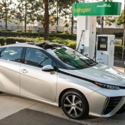 Toyota ordena a sus concesionarios que dejen de vender el Mirai, por falta de lugares donde respostar