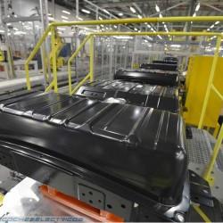 Nissan negocia la venta de su división de baterías a un grupo chino