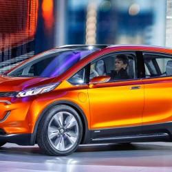 El Chevrolet Bolt comenzará su producción en octubre de 2016, y podría tener una versión Opel