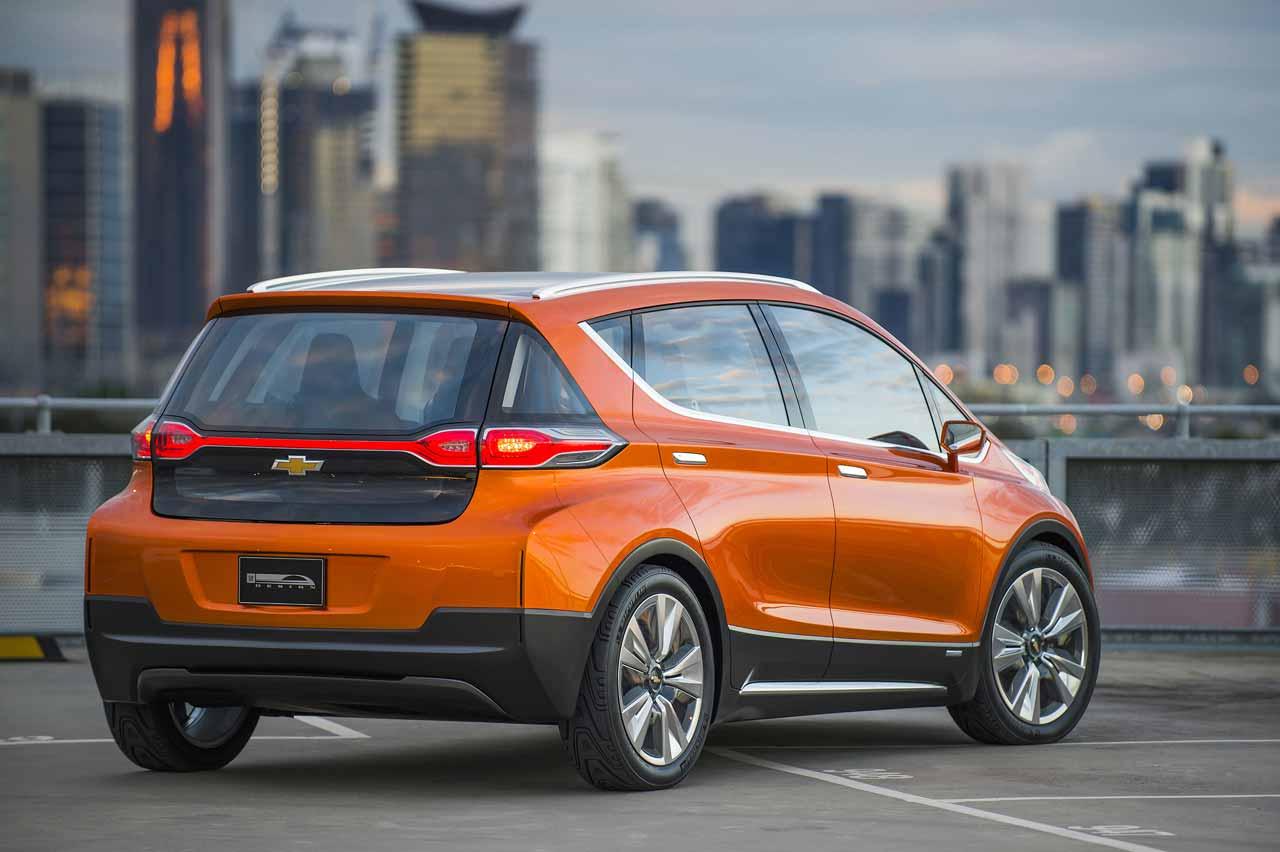 Chevrolet-BoltEV-trasera