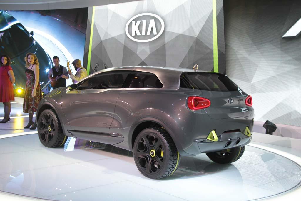 Kia-Niro-Concept-rear-3-4
