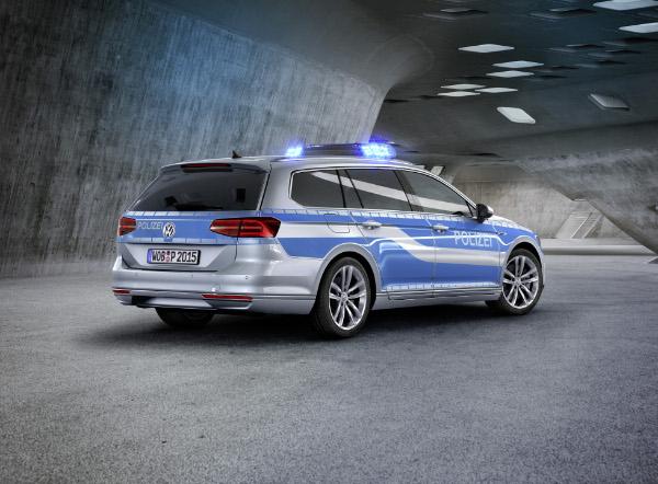 VW-Passat-GTE-Polizeifahrzeug_Studie