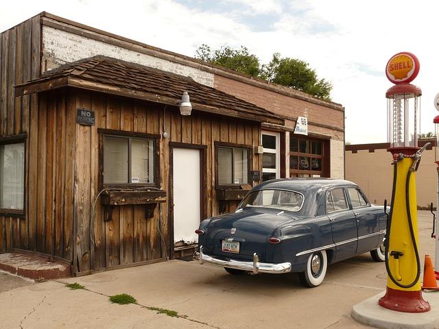 petrol-stations-4557_640