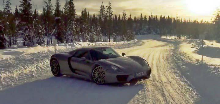 2015-Porsche-918-snow-drifting-720x340