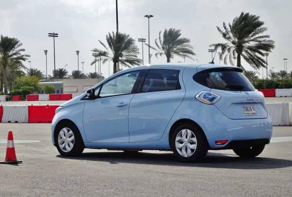 2015-Renault-Zoe-in-the-UAE-5-600x450
