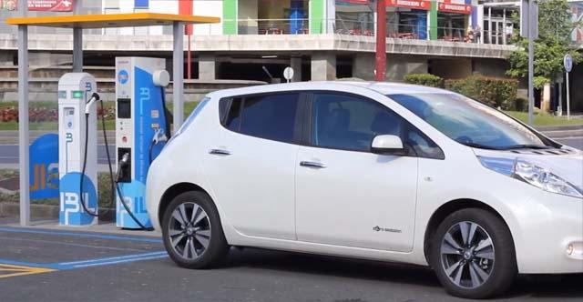 la velocidad y la vida coche electrico precio 2015 punto