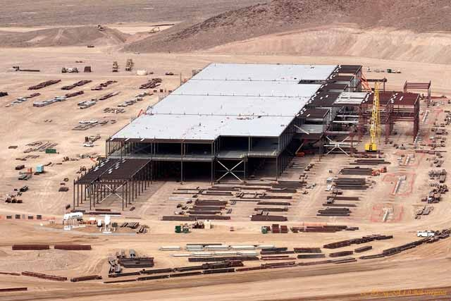 tesla-battery-gigafactory-site-reno-nevada-feb-25-2015-photo-cc-by-nc-sa-4-0-bob-tregilus_100502191_h