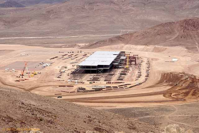 tesla-battery-gigafactory-site-reno-nevada-feb-25-2015-photo-cc-by-nc-sa-4-0-bob-tregilus_100502192_h