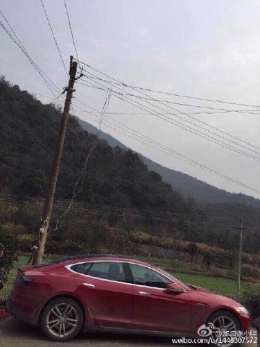 tesla-model-s-china-pole-charge-7