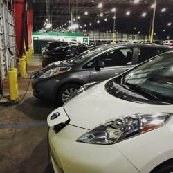 Un aeropuerto ejemplar. 64 puntos de recarga para coches eléctricos