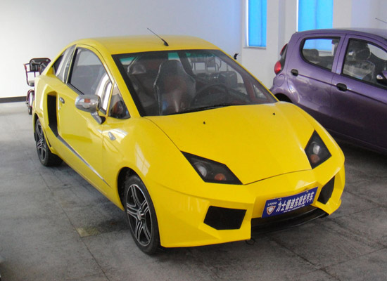 Lishidedidong Urban Supercar. Hasta 80 km/h, 150 kms de autonomía y un parecido razonable con el Lamborghini Aventador.