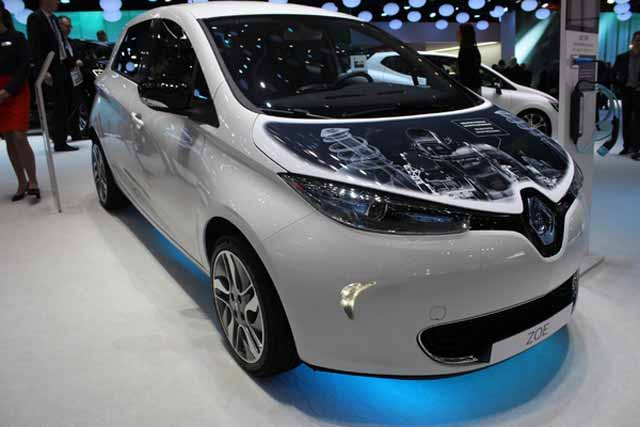 S7-Renault-Zoe-plus-endurante-En-direct-du-salon-de-Geneve-2015-346953
