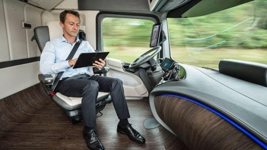 La cabina del futuro según Mercedes. Según la Universidad de Oxford, sobrará la persona