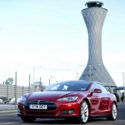 Denuncia contra Tesla en Inglaterra por su despliegue de supercargadores