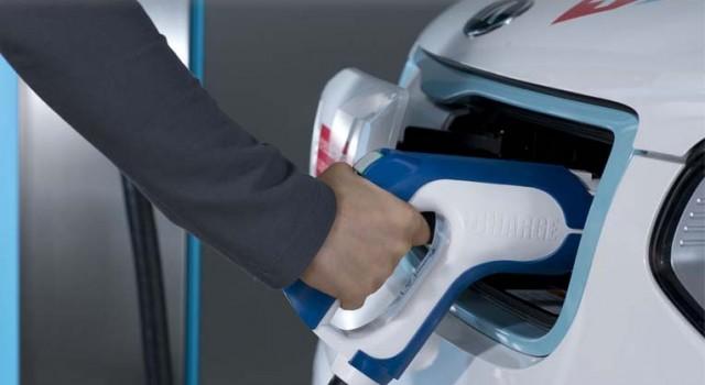 Una empresa australiana ofrece una tarifa plana de recarga para coches eléctricos por 0.6 euros