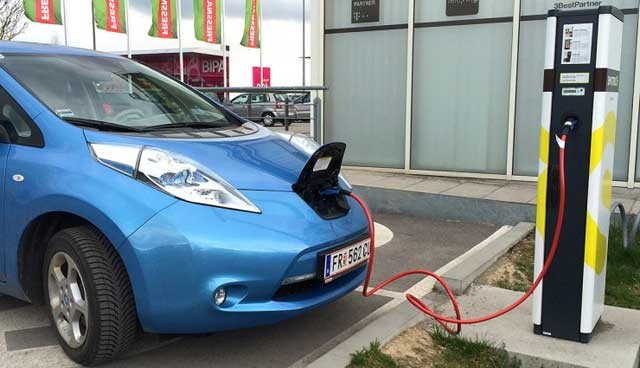 Kreisel-Electric-stellt-22-kW-On-Board-Ladegeraet-Nissan-LEAF-1-740x425