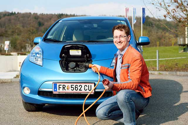Kreisel-Electric-stellt-22-kW-On-Board-Ladegeraet-Nissan-LEAF-33