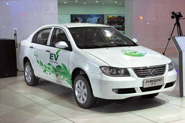 Lifan-620-EV-2