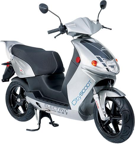 Govecs es el modelo seleccionado por Cityscoot. Cuenta con entre 60 y 100 kms de autonomía