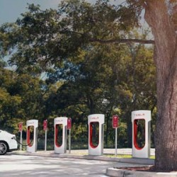 ¿Cuánto cuesta recargar en un Supercargador de Tesla en diferentes lugares del mundo? Este mapa nos lo dice