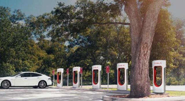 El coste de los Supercargadores de Tesla