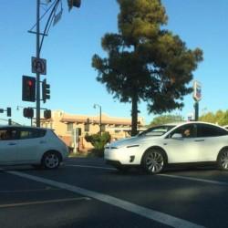 Avistado un Tesla Model X. Se acerca el momento del desembarco del SUV eléctrico