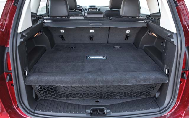 2013-ford-c-max-energi-trunk-18