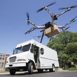 El futuro del reparto será con furgonetas eléctricas, y drones
