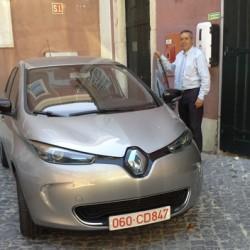 La embajada de Francia en Portugal cambia su coche oficial por un Renault ZOE