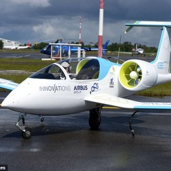 El avión eléctrico E-Fan de Airbus saldrá a la venta en 2017