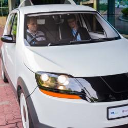 El taxi EVA está listo para la carretera