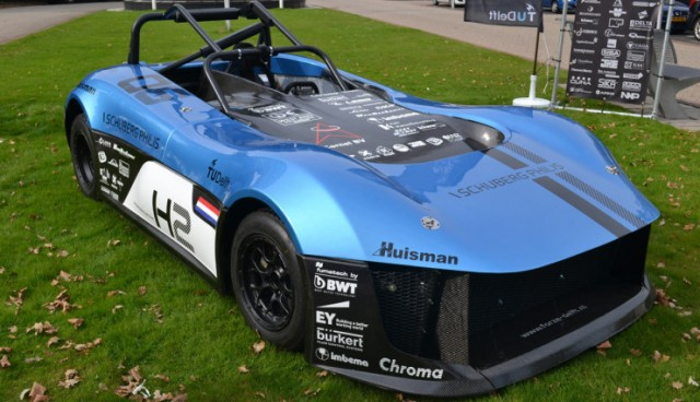 electric-car-racing-Forze-Hydrogen-Racing-Team-Delft-740x425