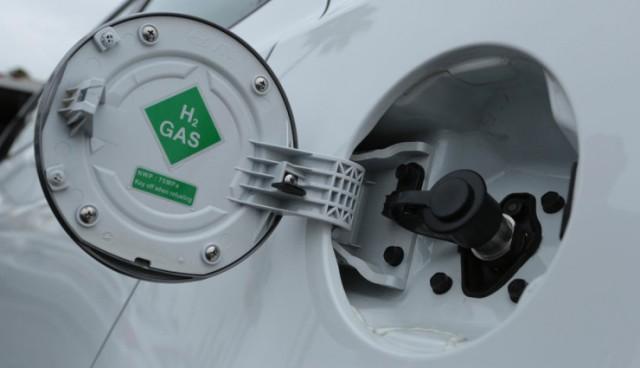 hyundai-tucson-fuel-cell-review-740x425