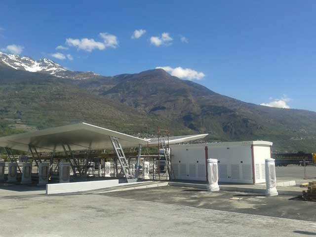 tesla-supercharger-aosta