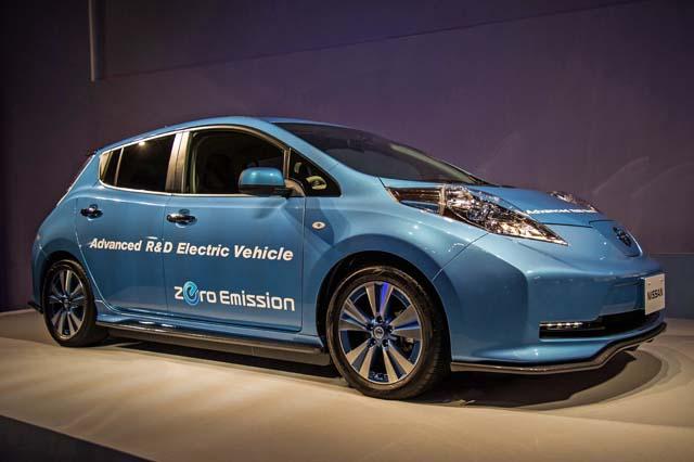 2015-Nissan-Ordinary-General-Meeting-Plus-LEAF-6