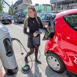 Arranca el Autolib de Londres. 10 primeras unidades de una flota de car sharing que llegará a los 3.000 coches eléctricos