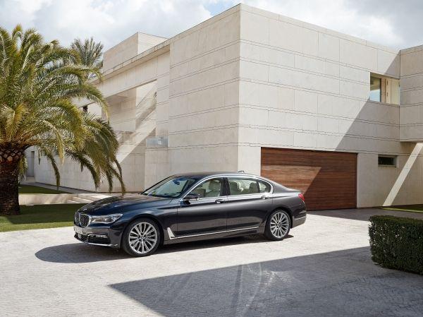 BMW 740e xDrive-3