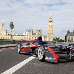 La primera temporada de la Fórmula E llega a su final. Los organizadores muestran lo sostenible de la propuesta en Londres