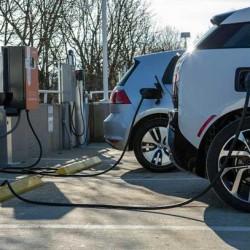 Los Ángeles quiere llevar el car sharing con coches eléctricos a los barrios de las afueras