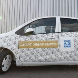 ZF Smart Urban Vehicle. El coche eléctrico que se aparca y se conduce el solo
