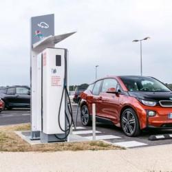 Las ventas de los eléctricos de BMW empiezan el año con una bajada del 32%