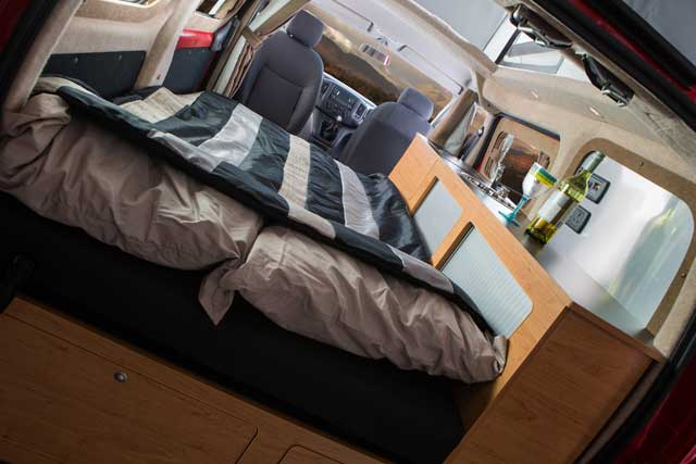 nissan env200 autocaravana 3 forococheselectricos. Black Bedroom Furniture Sets. Home Design Ideas