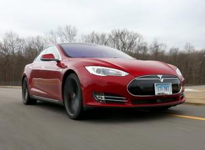 2015-Tesla-Model-S-P85D-driving-ATD-track