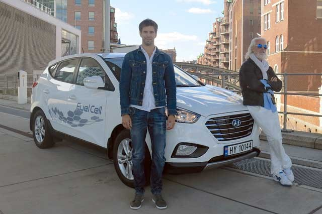 Hyundai-ix35-Fuel-Cell-travels-record-breaking-2383km-in-24-hours