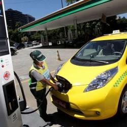 Taxis eléctricos para luchar contra UBER