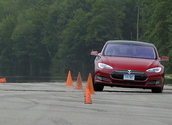 Tesla-Model-S-P85D-ATC-action-AM-test-598